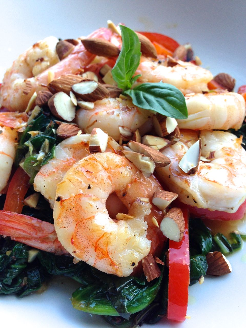 Lime Basil Shrimp with Spinach and Bell Pepper | LaughterandLemonade.com