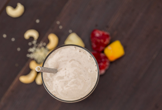 Tropical Cashew Cream Strawberry Smoothie | LaughterandLemonade.com