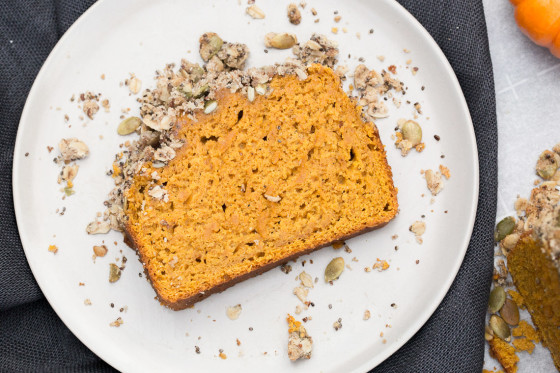 Pumpkin Bread with Oat & Seed Streusel Topping | LaughterandLemonade.com